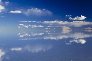 ミラーレイクのウユニ塩湖の素材 [FYI00364648]