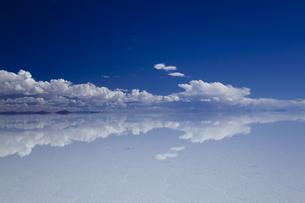 ミラーレイクのウユニ塩湖の素材 [FYI00364649]