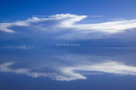 ミラーレイクのウユニ塩湖の素材 [FYI00364656]