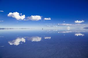 ミラーレイクのウユニ塩湖の素材 [FYI00364658]