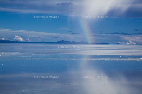 ミラーレイクのウユニ塩湖の素材 [FYI00364659]