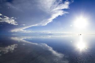 ミラーレイクのウユニ塩湖の素材 [FYI00364664]