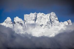 梅里雪山(五岳峰)の写真素材 [FYI00364735]