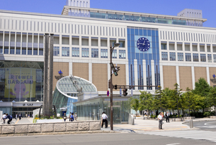 札幌駅と駅前広場の写真素材 [FYI00365160]