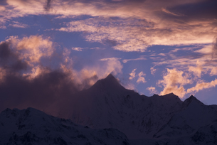 梅里雪山の夕景の写真素材 [FYI00365840]