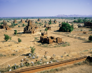 ミャンマーのオールドバガン遺跡の写真素材 [FYI00366012]
