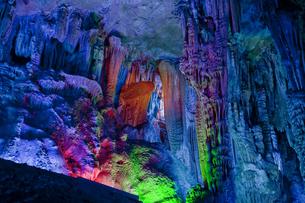 桂林の芦笛岩洞窟の写真素材 [FYI00366068]