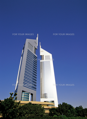ドバイのエミレーツタワーの写真素材 [FYI00366079]