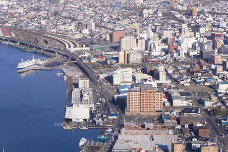 冬の函館山展望台より函館市街の素材 [FYI00366112]