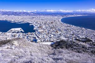 函館山より函館市内雪景色の素材 [FYI00366119]