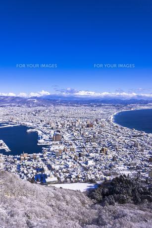 函館山より函館市内雪景色の素材 [FYI00366132]