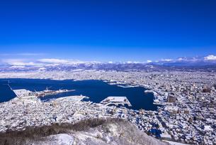 函館山より函館市内雪景色の素材 [FYI00366137]