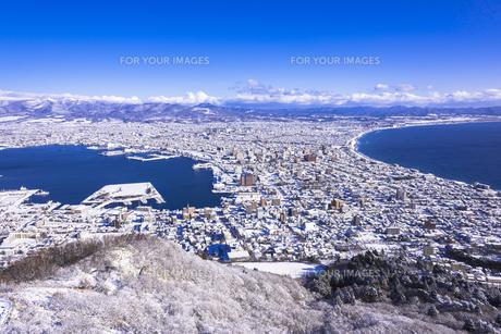 函館山より函館市内雪景色の素材 [FYI00366139]