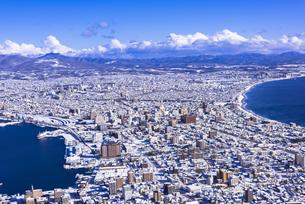 函館山より函館市内雪景色の素材 [FYI00366141]