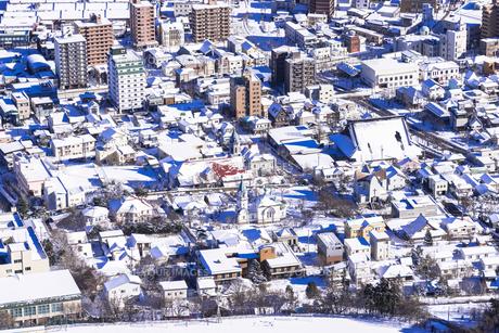 函館山より函館市内雪景色の素材 [FYI00366143]
