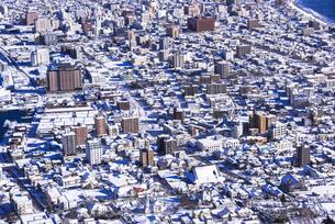 函館山より函館市内雪景色の素材 [FYI00366179]