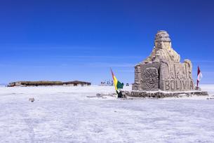 乾季のウユニ塩湖の写真素材 [FYI00366458]