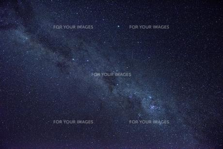 ウユニ塩湖の星空の素材 [FYI00366636]