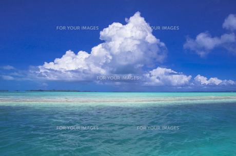 ロック・アイランドのジャーマン・チャネルの海と空の素材 [FYI00367117]