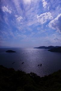瀬戸内海の青い空と海の写真素材 [FYI00367227]