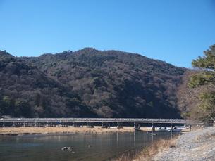 快晴の渡月橋の写真素材 [FYI00368020]