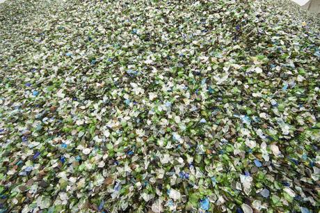 リサイクル・ガラスチップの写真素材 [FYI00368173]