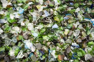 リサイクル用ガラスチップの写真素材 [FYI00368181]