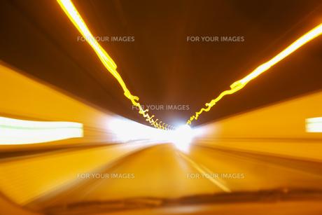 トンネルの中のスピード感の素材 [FYI00368218]