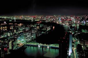 勝鬨橋と隅田川の夜景の素材 [FYI00368372]