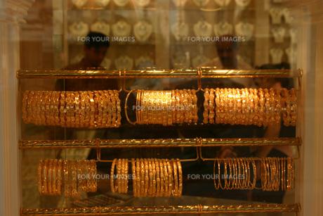 金製品店のウインドの写真素材 [FYI00368430]