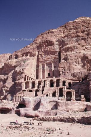 ペトラ遺跡、王家の墓、全景の写真素材 [FYI00368443]