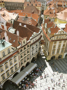 プラハ旧市庁舎から見下ろした広場の写真素材 [FYI00368649]