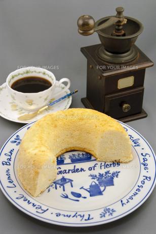 手作りシフォンケーキの写真素材 [FYI00368712]