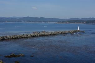 的矢湾の小さな灯台の写真素材 [FYI00368957]