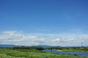 雲出川と近鉄名古屋線の写真素材 [FYI00369078]