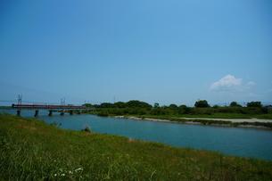 櫛田川と近鉄山田線の写真素材 [FYI00369087]
