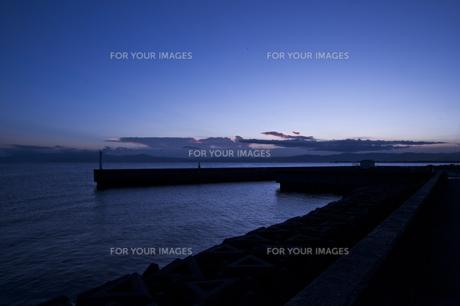 琵琶湖の夕暮れの写真素材 [FYI00369338]