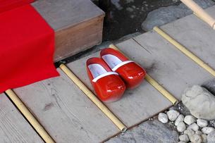 巫女の赤い木靴の写真素材 [FYI00369339]
