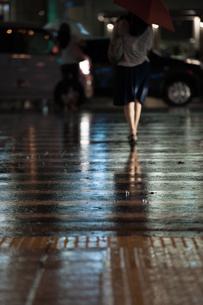 雨の日の街の写真素材 [FYI00369716]