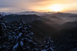 野迫川村の冬の朝の写真素材 [FYI00369724]