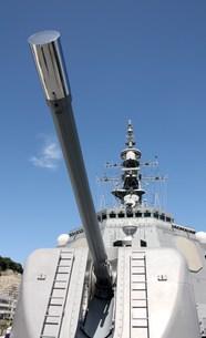 護衛艦きりしまの主砲の写真素材 [FYI00369900]