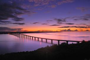 島の夜明けの素材 [FYI00369956]