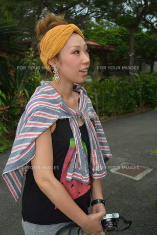 宮古島/来間島で出会った素敵な女性の写真素材 [FYI00373471]