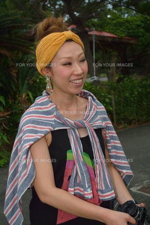 宮古島/来間島で出会った素敵な女性の写真素材 [FYI00373476]