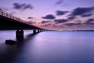 宮古島/伊良部大橋の夜景の素材 [FYI00374093]