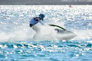 宮古島/前浜のジェットスキーの素材 [FYI00374412]