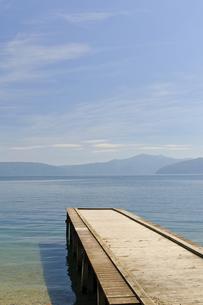 十和田湖畔 桟橋の写真素材 [FYI00376588]