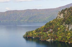 十和田湖の紅葉の写真素材 [FYI00376820]