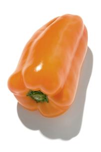 おもしろ野菜・オレンジピーマンの写真素材 [FYI00377096]