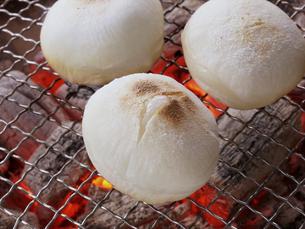 ふっくら焼き餅の写真素材 [FYI00377118]